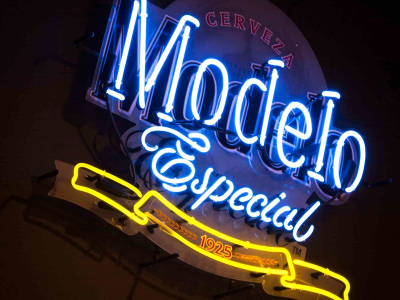 Nick's-Grill-Modelo-Neon-Sign